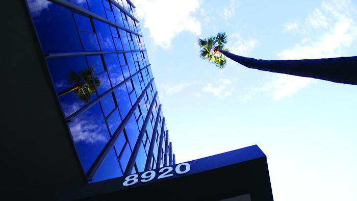 La-Peer-Health-System-Shoulder-Center-Los-Angeles-Beverly-Hills